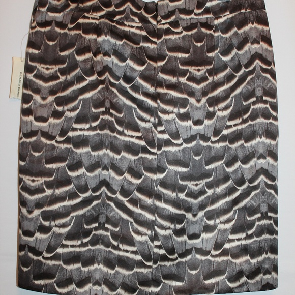 e8ebc6de89d2b Gerard Darel Skirt Gray Black Feather Print 12 NEW